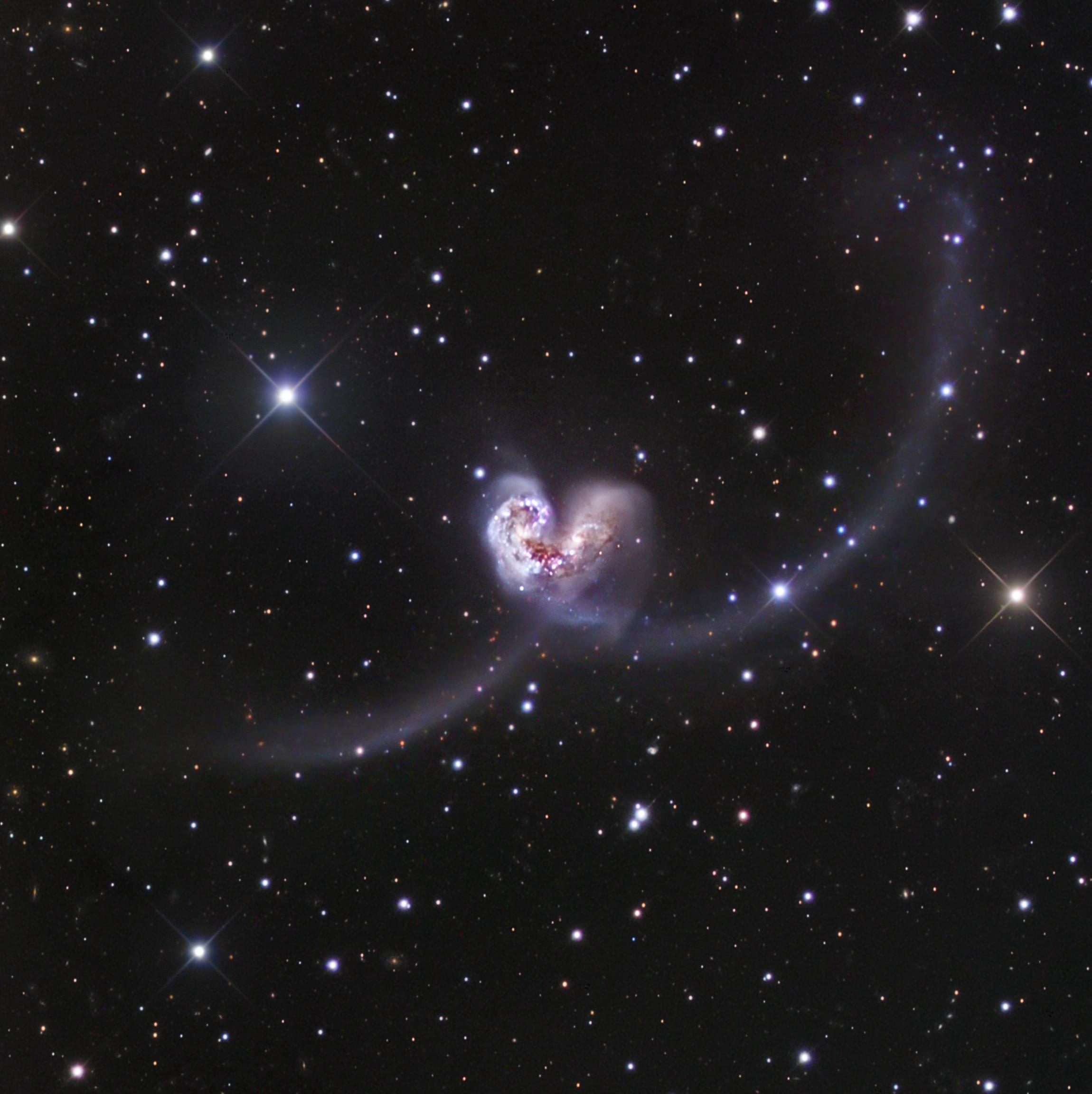 is_galaxies_antennes_love2.jpg